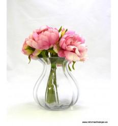Jarrón de cristal con bouquet flores